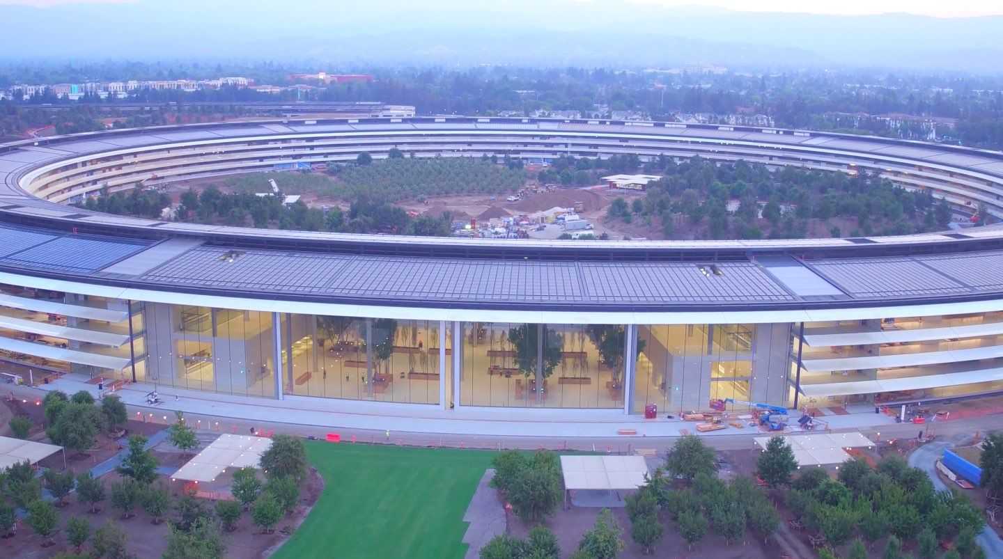Drone Pilot Duncan Sinfield Has Published A New Birds Eye Footage Of Apple Park The Iphone Makers New Multi Billion Dollar Ring Shaped Headquarters In